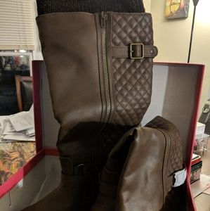 Wide Calf boots Size 11NWT, used for sale